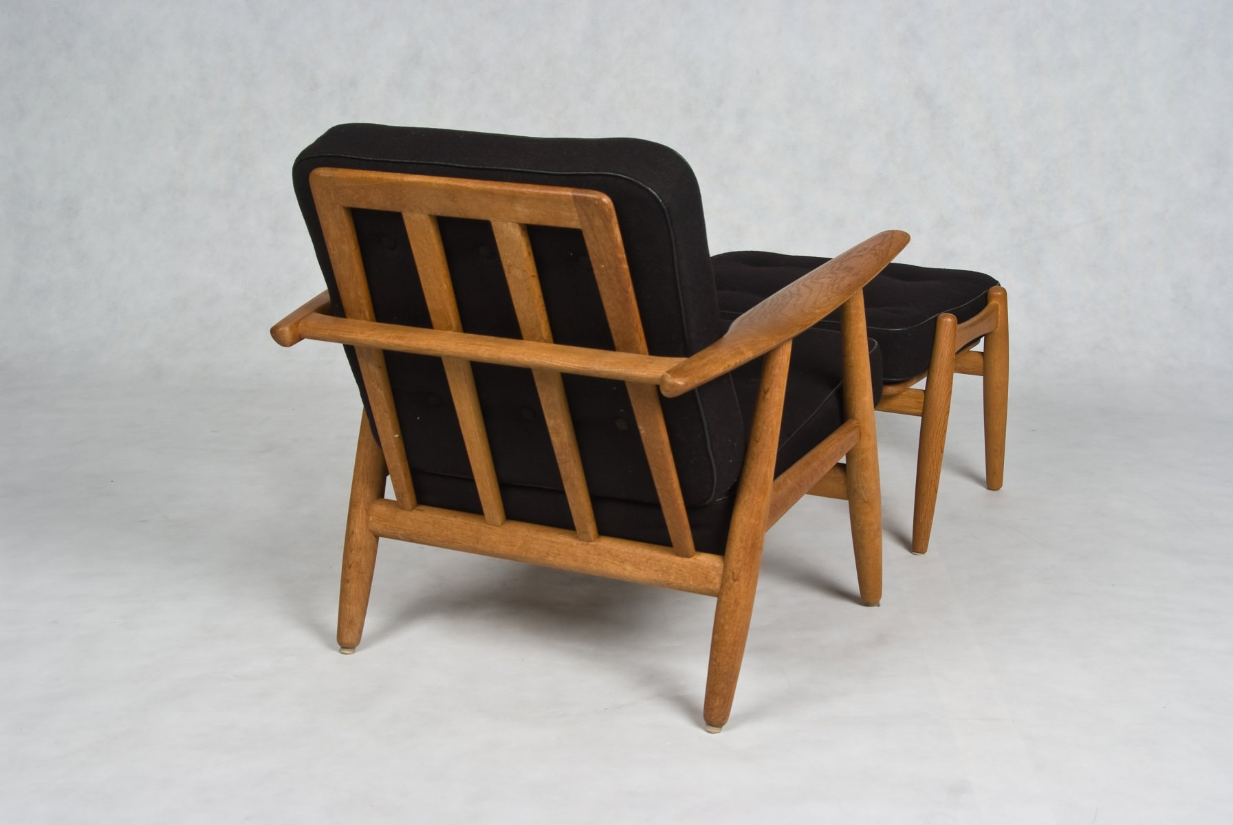 Hans Wegner Cigar Oak chair with stool Model GE 240 designed 1955 - Dining Room Chairs Fabric