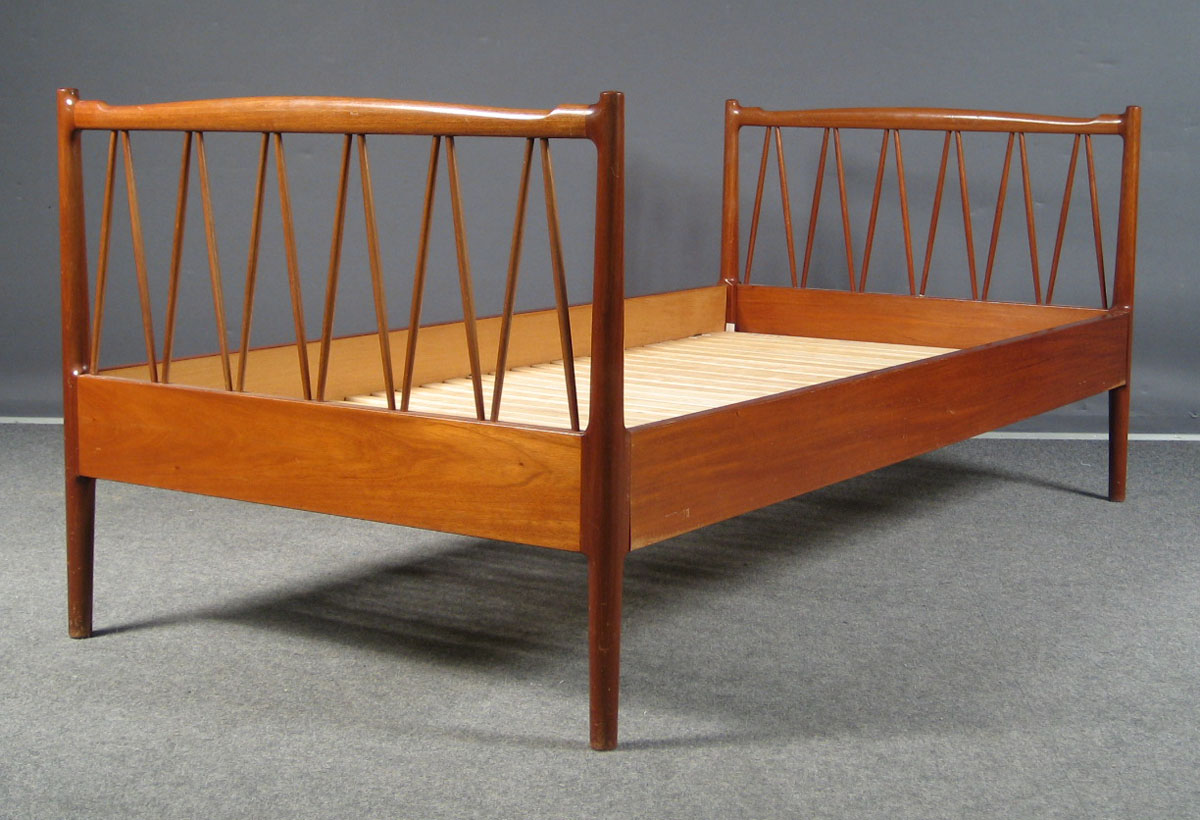 Danish Vintage single bed - Teak single bed - midcentury single bed - retro bed - bo butik ...